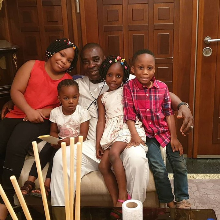 Adorable Photos Of K1 De Ultimate And His 4 Grandchildren