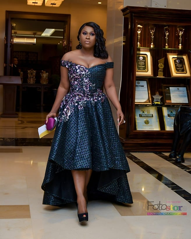 Uche Jombo Melts Hearts In Cleavage Baring Off-shoulder Maxi Dress