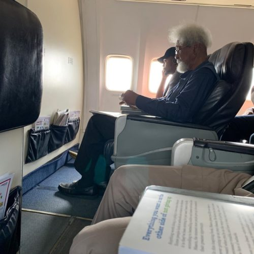 Young Man Tells Wole Soyinka To Leave His Seat – Mo Abudu And Kate Henshaw React