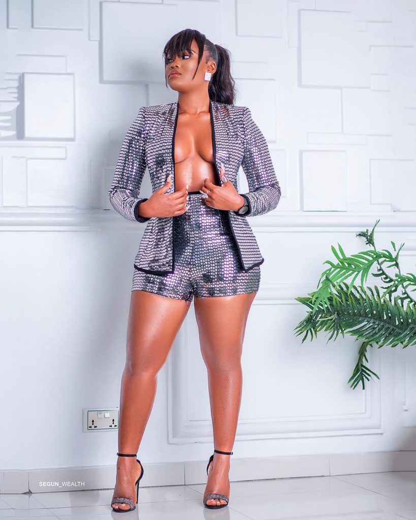 cee-c bares cleavage