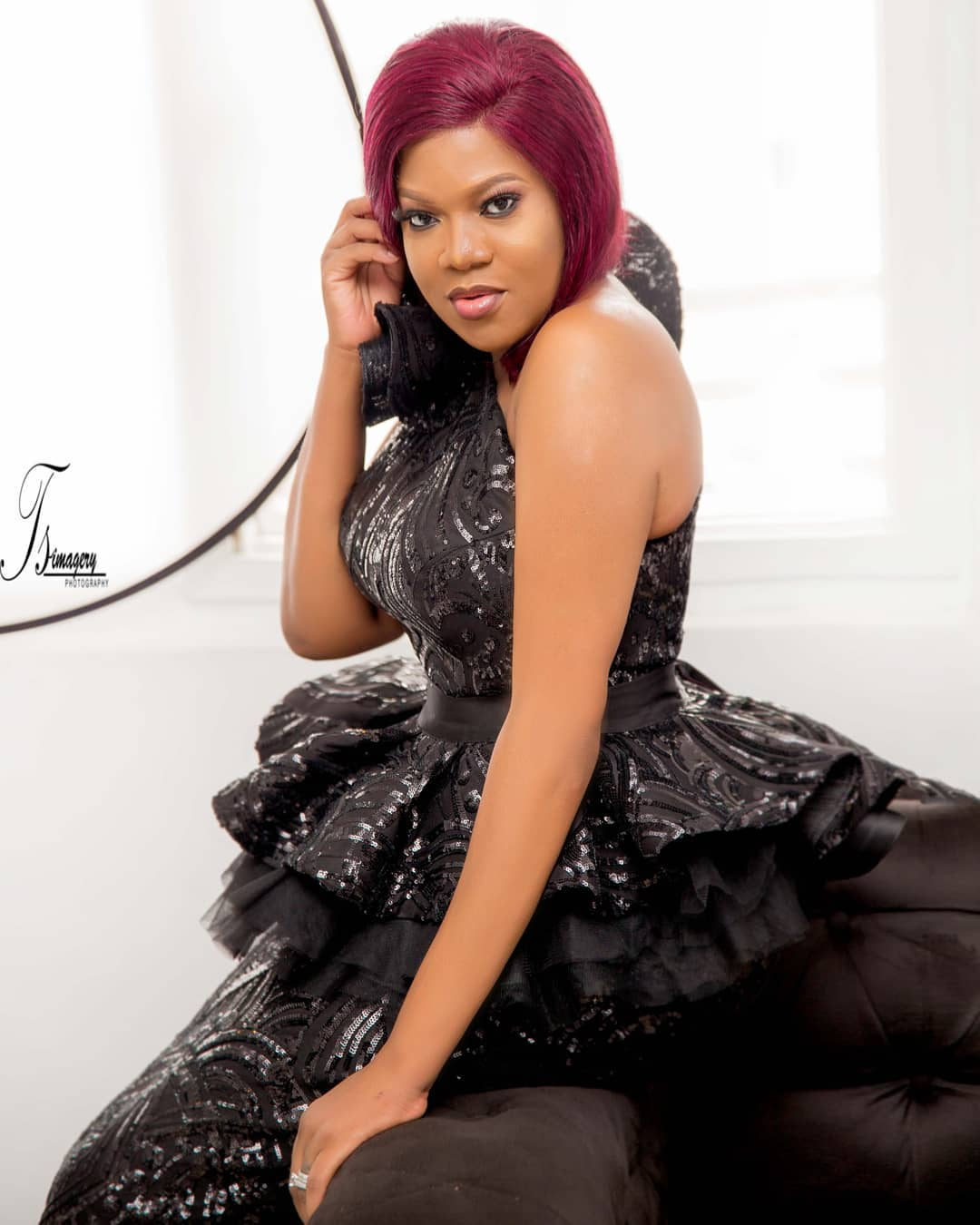 Toyin Abraham's Fans Give Her 1 Million Naira As She Celebrates 35th Birthday