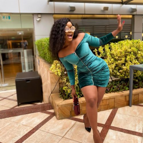 Cee-C Looks Absolutely Stunning In Emerald Green Velvet Off Shoulder Mini Dress