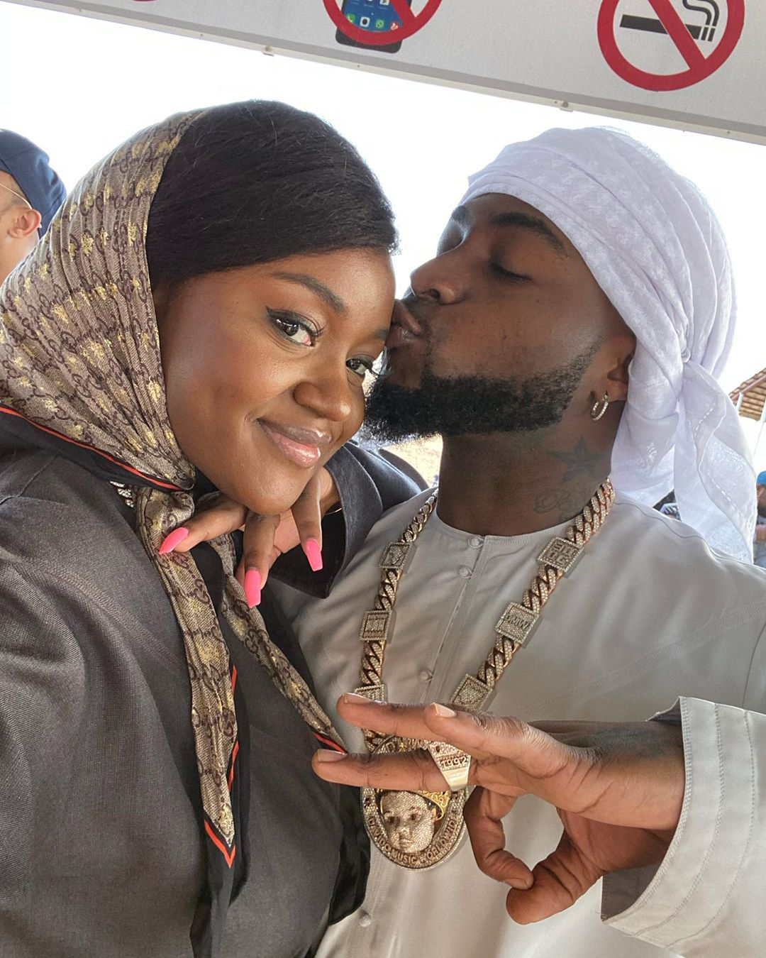 Davido And Chioma Demonstrate Love The Arab Way!