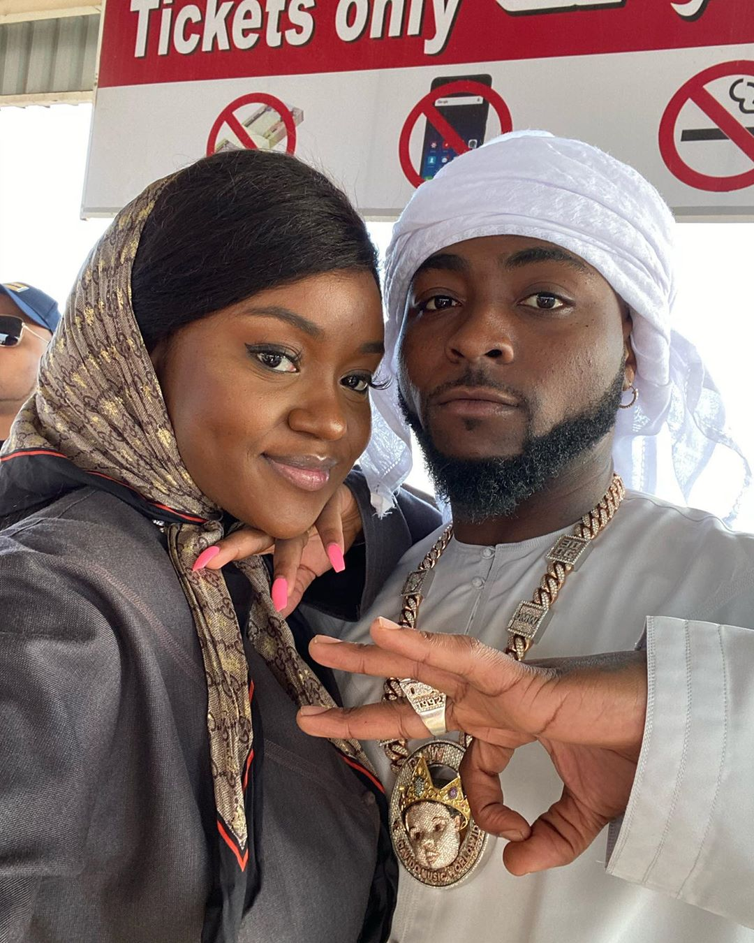 davido and chioma in arab wear