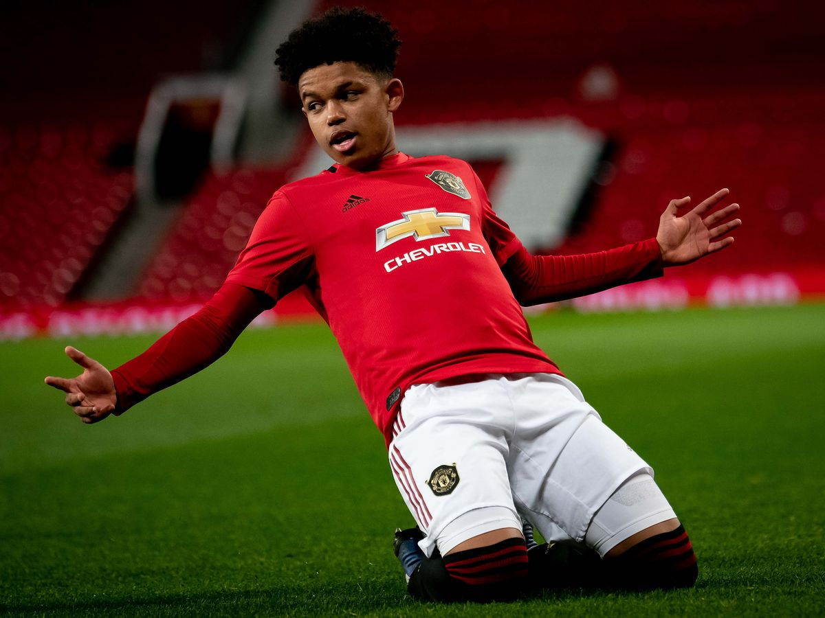 Nigerian Striker Shola Shoretire,16, Signs Deal With Manchester United
