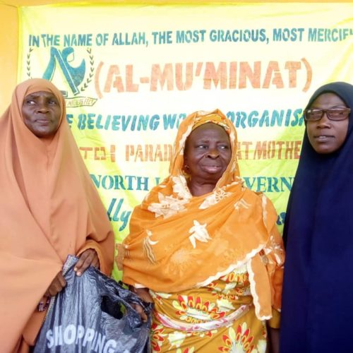 #EidelFitr: Al-Mu'minaat Ijebu-remo Zone Put Smiles On Widows Faces