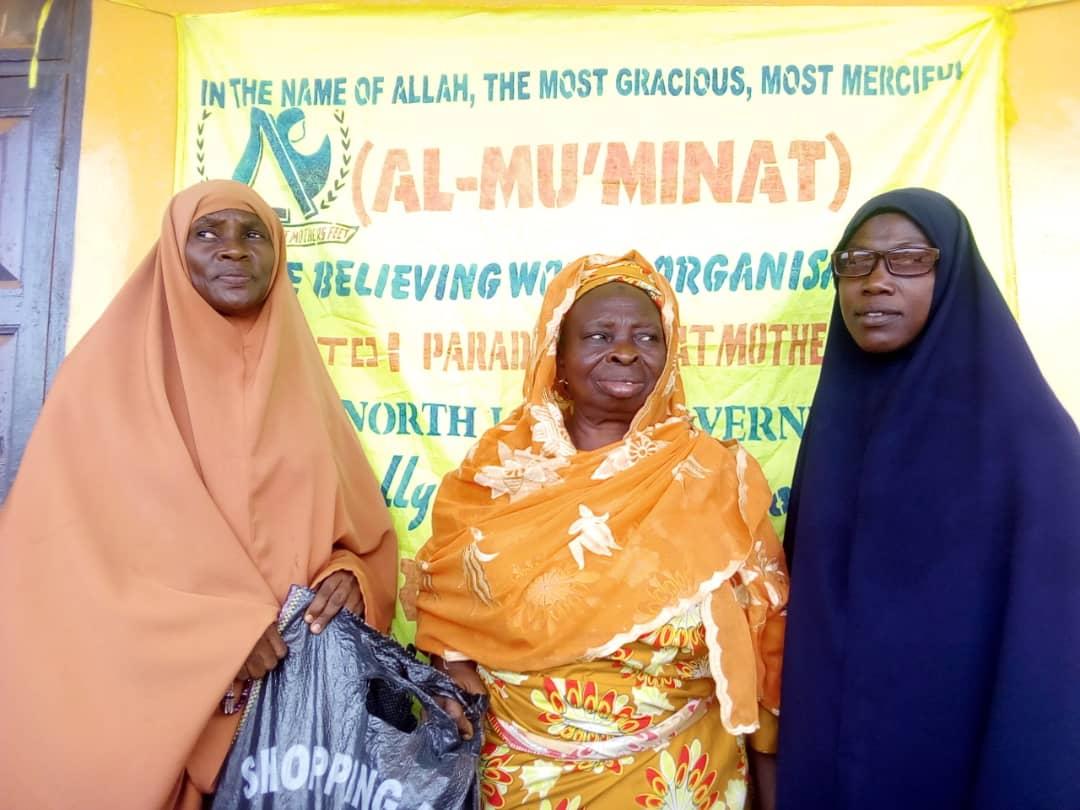 Eid-el-Fitr: Al-Mu'minaat Ijebu-remo Zone Put Smiles On Widows Faces